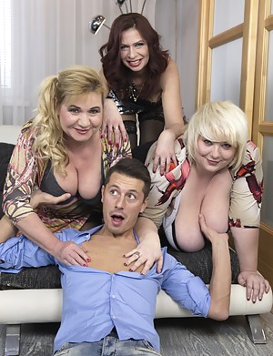 Big Boobs Foursome Porn Pictures