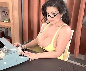 Big Boobs Secretary Porn Pictures